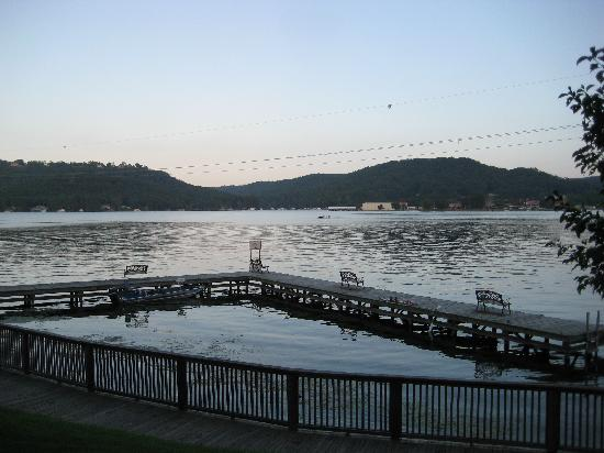 BEST WESTERN Plus Lake Guntersville Hotel: view from the boardwalk