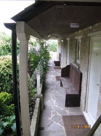 Merrymouth Inn: Access to some of the rooms