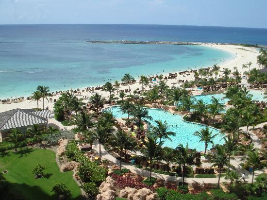 The Reef Atlantis: Room w/ a view, no crowds at The Reef Beach & Pool