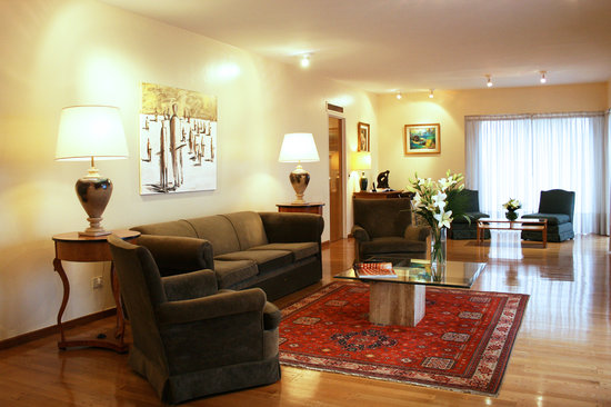 Plaza San Martin Suites