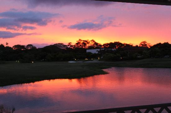 Playa Conchal, Costa Rica: sunset with view of golf course