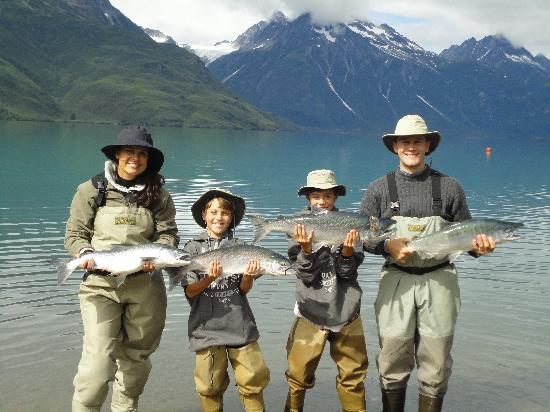 Parc national et réserve de Lake Clark, AK : Family pic of SockEye Salmon