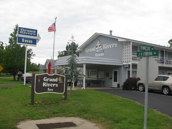 Photo of Grand Rivers Inn