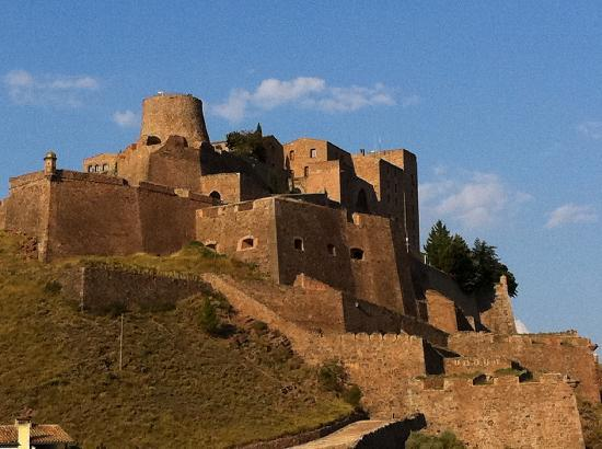 Cardona, Spain: you'd rather stay here, than besiege it, wouldn't you?