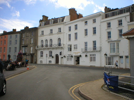 Cliffe-Norton Hotel