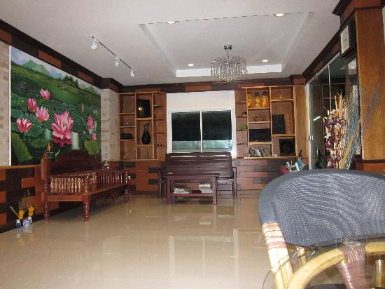 Ruen Buathong Boutique Guest House: Reception area
