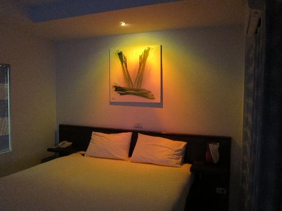 Ruen Buathong Boutique Guest House: Room@night