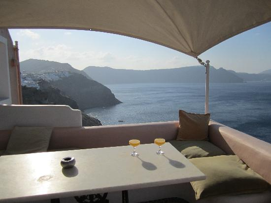 Art Maisons Luxury Santorini Hotels: Aspaki &amp; Oia Castle: Amazing private deck complete with private jacuzzi.