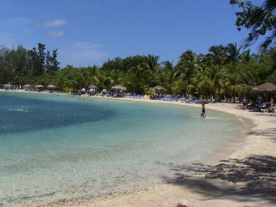 Fantasy Island Beach Resort: Paradise Island Beach