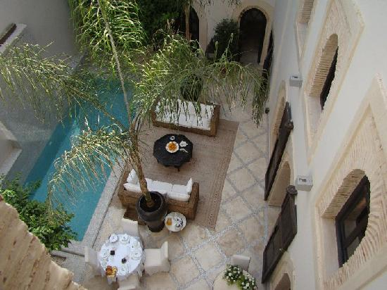 Riad Kheirredine: pool area