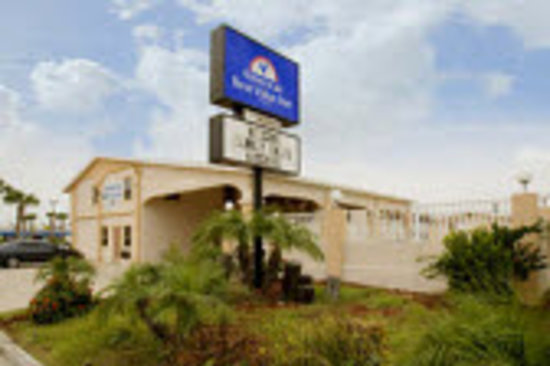 Americas Best Value Inn - Corpus Christi / Port Aransas: Primary Exterior