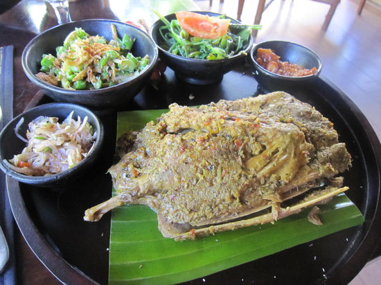 ... or more: Ayam Pelalah @ Balinese Shredded Chicken - AFF Indonesia #1