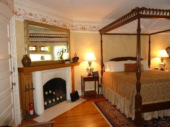 Warrensburg, NY: master chamber with fireplace where we stayed