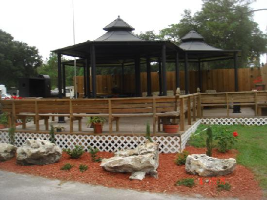Villager RV Park: Gazebos