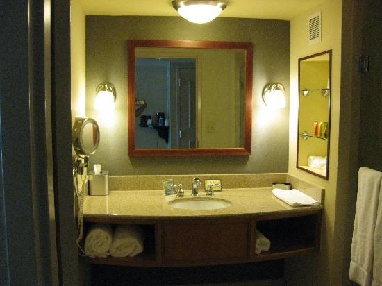 Delta Downs Hotel & Casino: Bathroom