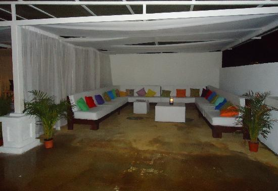 Hotel Real Camino Lenca: el gran congolon (cafe + bar) lounge style on the rooftop