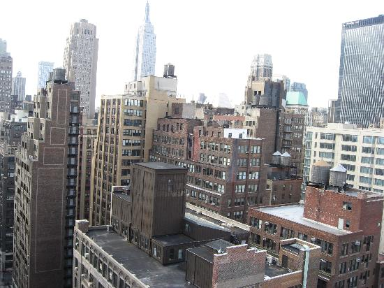 Hampton Inn Manhattan / Times Square South: Looking East