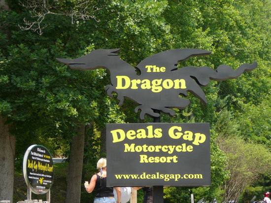 ‪Deal's Gap Motorcycle Resort‬
