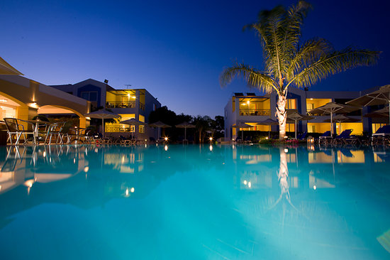 Colonides Beach Hotel: COLONIDES BY NIGHT