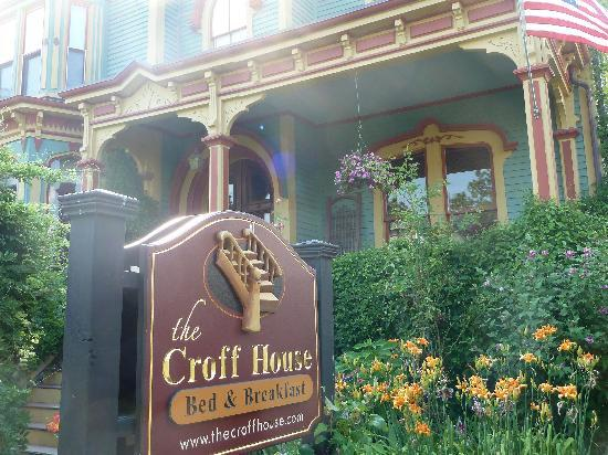 http://media-cdn.tripadvisor.com/media/photo-s/01/f8/2f/47/the-croff-house-2.jpg