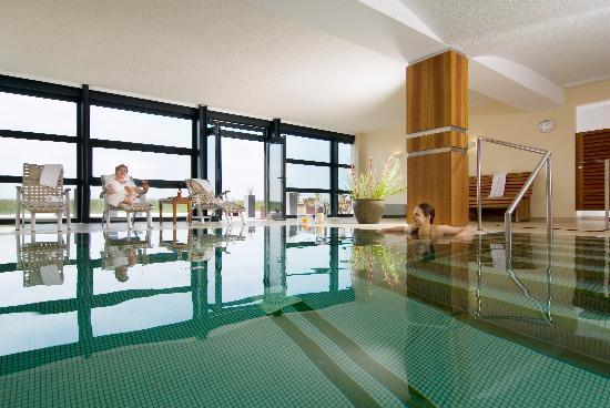 pool im rodehuus bild von hotel haus am meer norderney tripadvisor. Black Bedroom Furniture Sets. Home Design Ideas