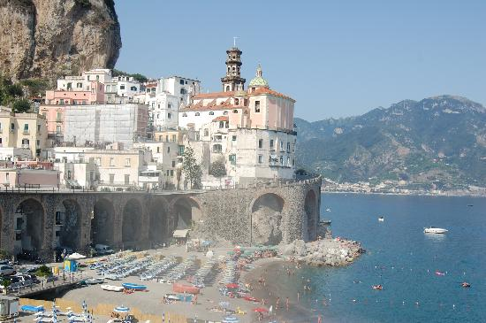 Eva Rooms: view of Atrani from verandah