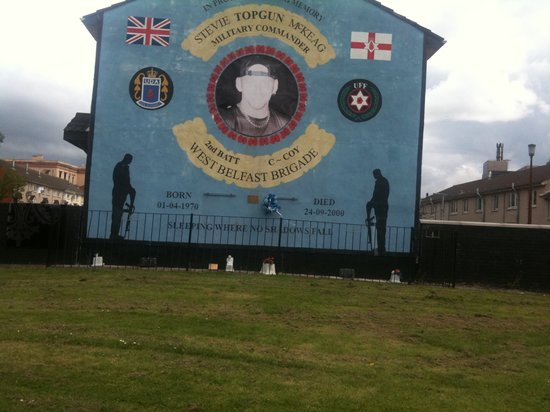 Shankill road picture of belfast mural tours belfast for Belfast mural tours
