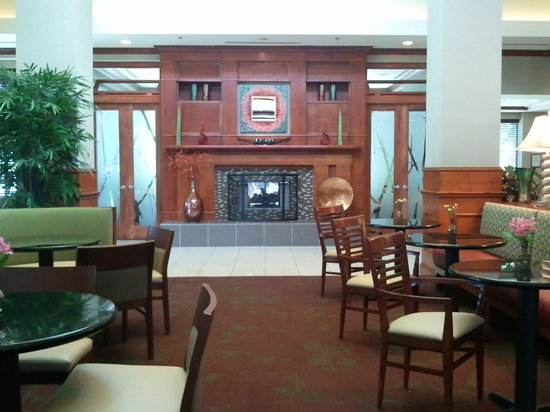 Hilton Garden Inn Atlanta NW / Kennesaw Town Center: Our newly renovated lobby!