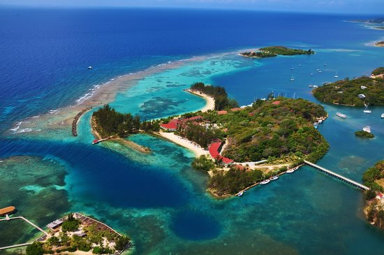 Fantasy Island beach in Roatan - Courtesy of media-cdn.tripadvisor.com