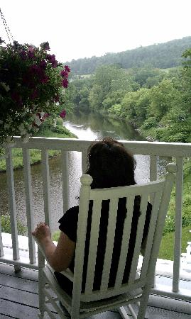 The Shire Woodstock: Lovely morning view on upper deck patio