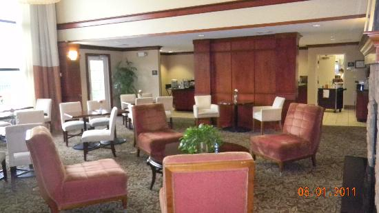 Homewood Suites by Hilton Stratford: The dining area for all guests. Hot breakfast daily and light dinner Mon-Thurs...YUM!!!