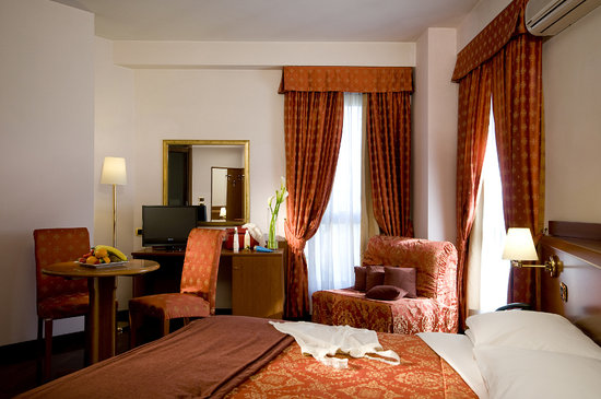 Quality Excel Hotel Ciampino Airport