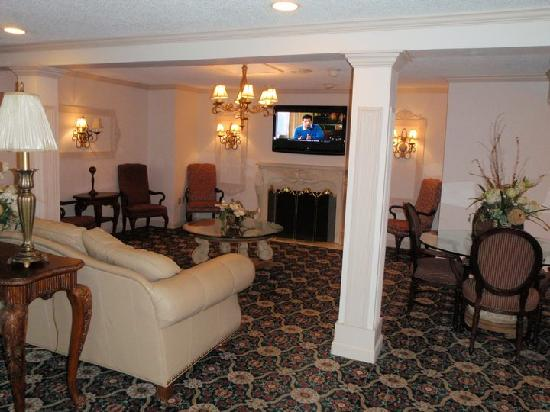 Days Inn & Suites: lobby