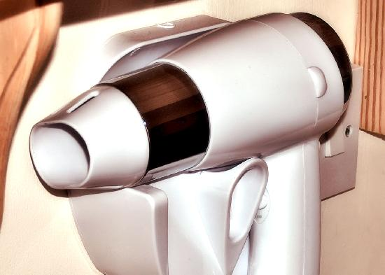 The Cameo: Hairdryers