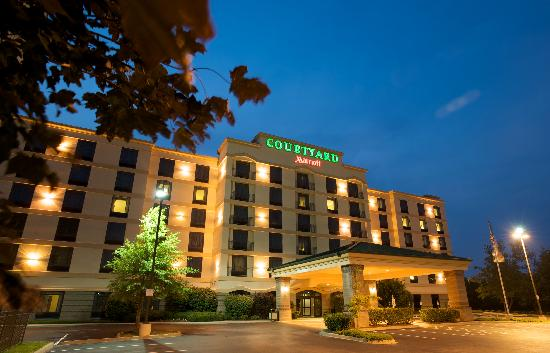 ‪Courtyard by Marriott Louisville Airport‬