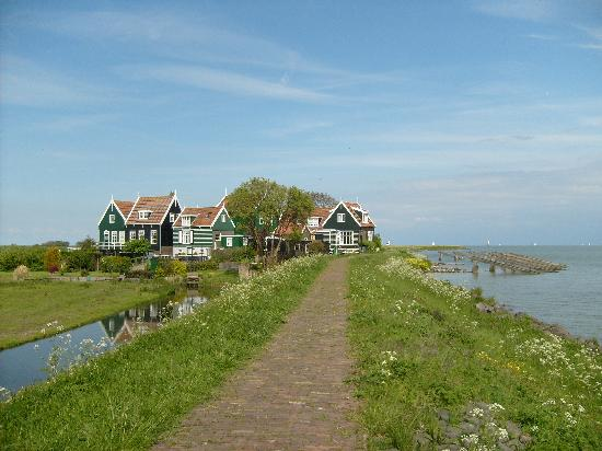 Marken picture of holland personal tour guide amsterdam for Amsterdam b b centro