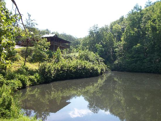 Inspiring views upper level crow 39 s nest picture of for Fishing cabins in tennessee