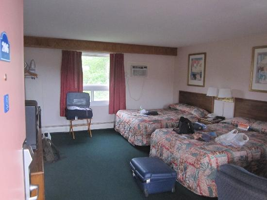 Super 8 Motel Lee / Berkshires / Outlet Area: Zimmer 206