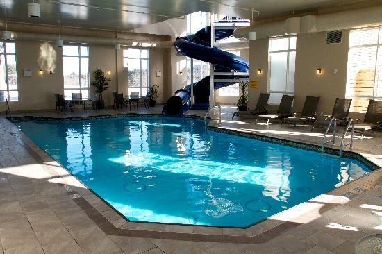 BEST WESTERN PLUS Bridgewater Hotel & Convention Centre: Salt water pool and 80 ft water slide