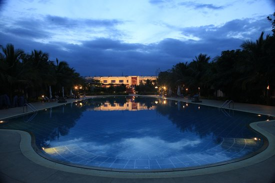 Chariot Beach Resort: Jalatharanga - The Swimming Pool