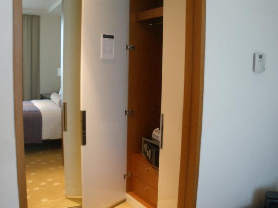 InterContinental Residence Suites Dubai Festival City: General View - Bedroom 03