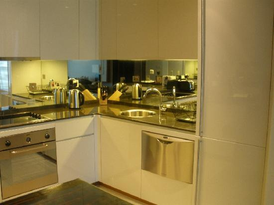 InterContinental Residence Suites Dubai Festival City: General View - Kitchen 01