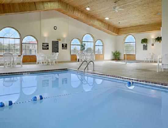 Super 8 Brookings: Heated Indoor Pool & Jacuzzi