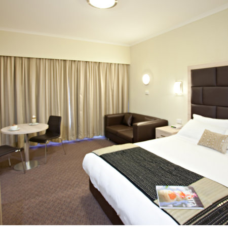 ‪BEST WESTERN PLUS Garden City Hotel‬