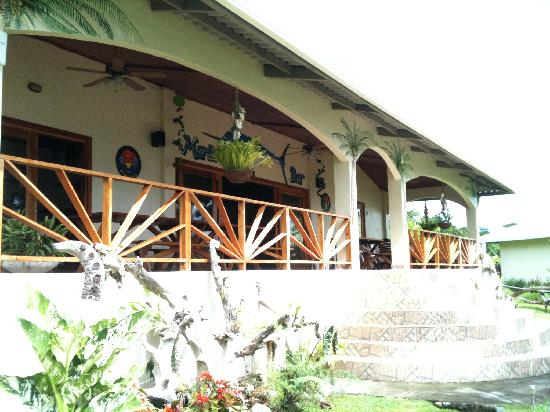 Main building picture of hooked on panama fishing lodge for Panama fishing lodge