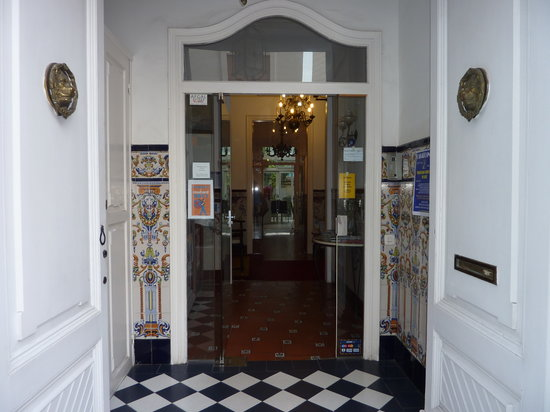 Hotel Liberty: The hotel entrance