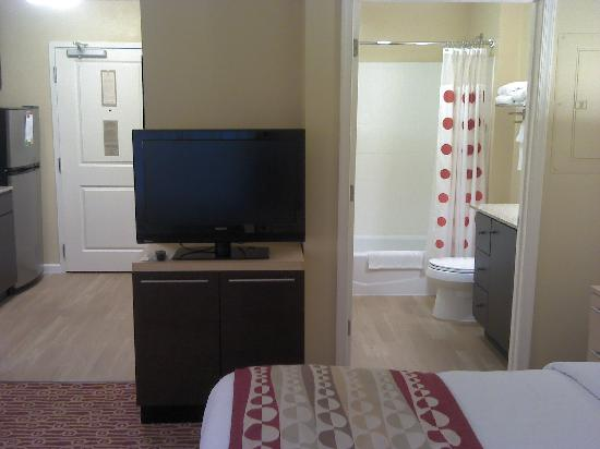 TownePlace Suites Winchester: tv