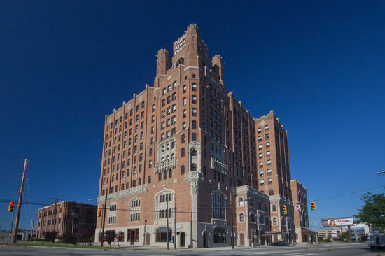 Photo of Doubletree by Hilton The Tudor Arms Hotel Cleveland