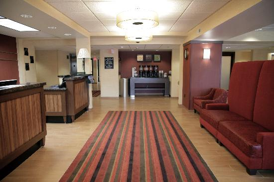 Hampton Inn Milwaukee Airport: Newly Remodeled in Spring of 2011