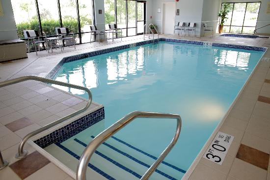 Hampton Inn Milwaukee Airport: Indoor Pool &amp; Whirlpool